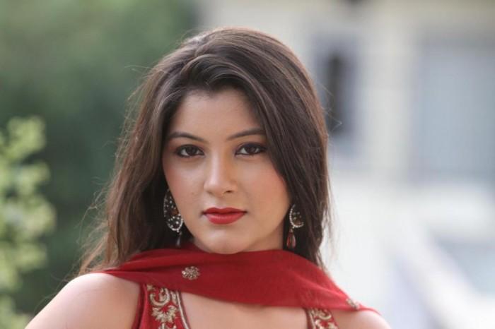 Photo of Resham Thakkar (Actress)