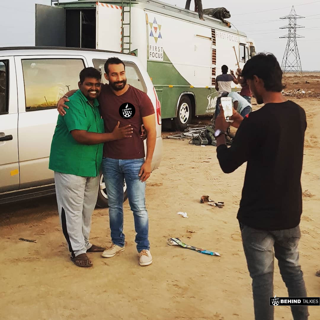 Amit Tiwari With His Fans in Shotting spot