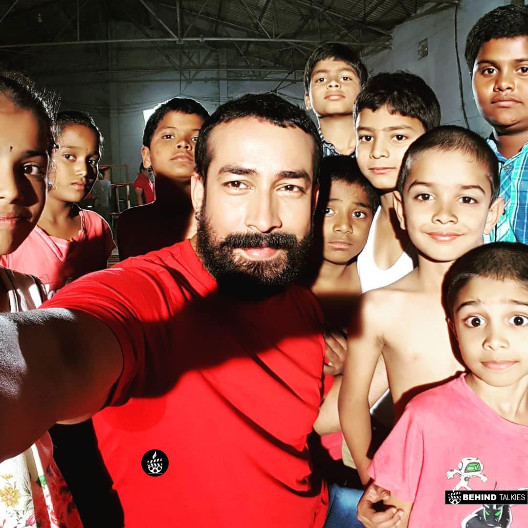 Amit Tiwari With His kids in shooting spot