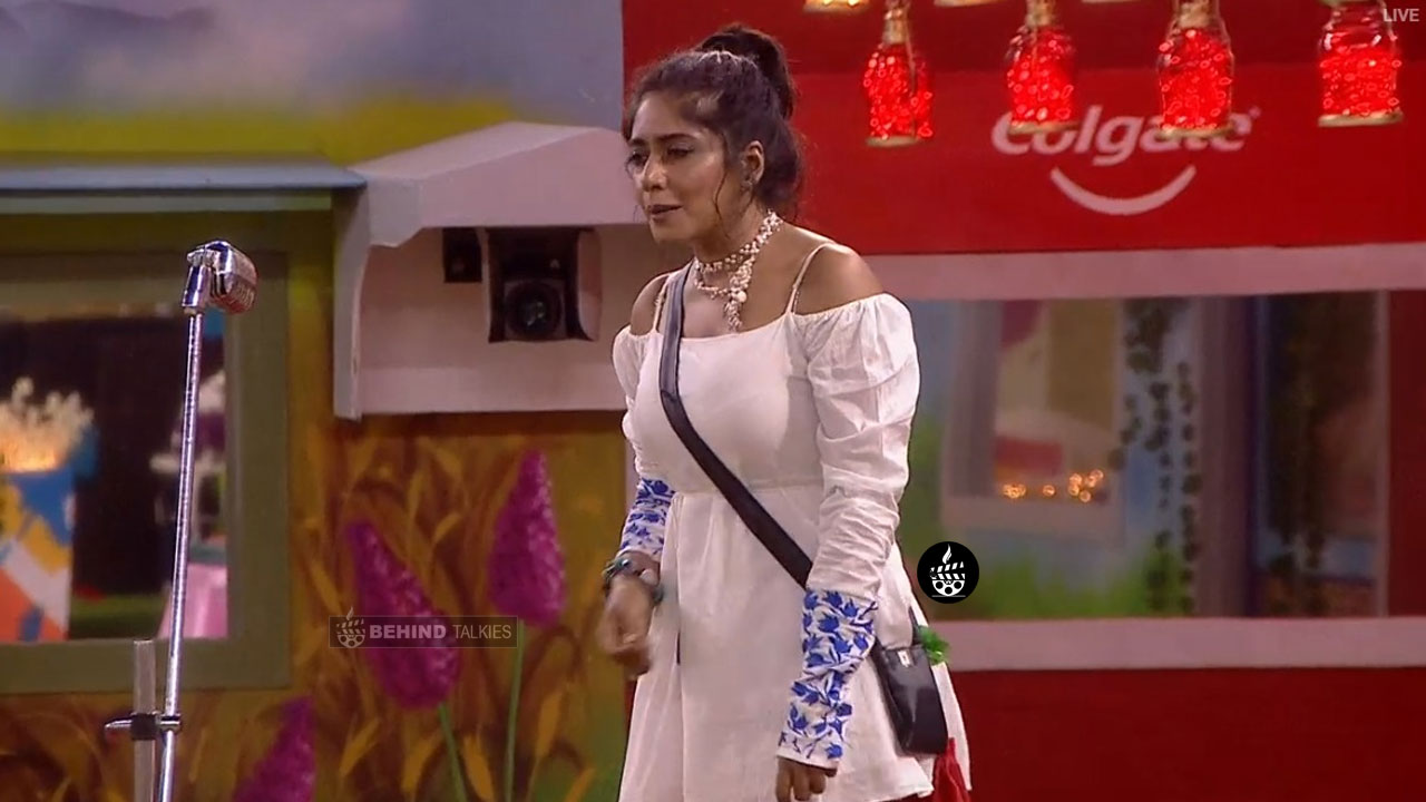 Mamathi Singing in Bigg Boss