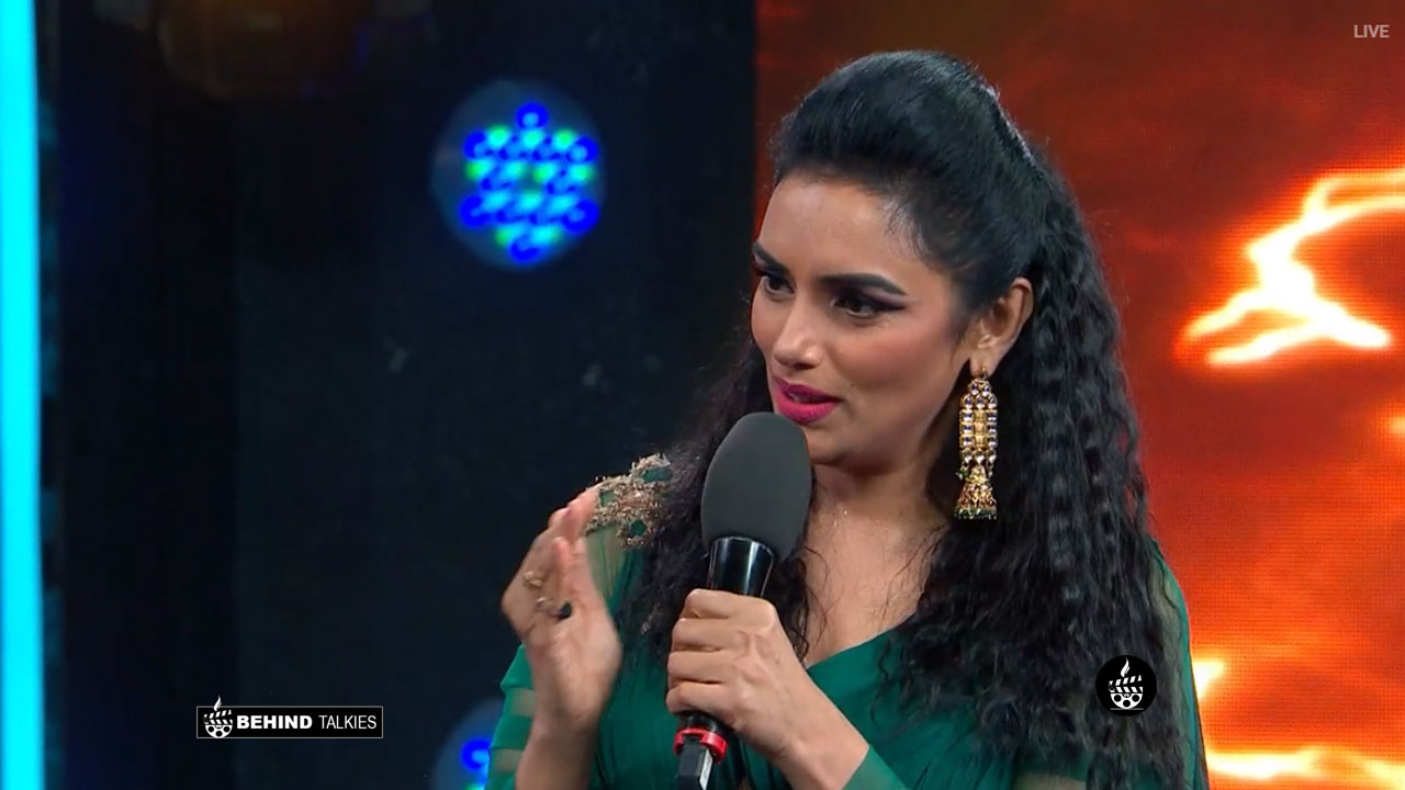 Shwetha Menon   Bigg Boss VOte Malayalam