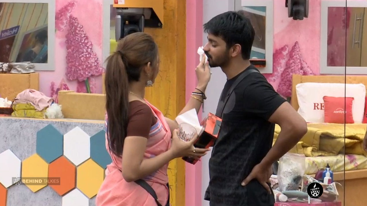 mahat and Aishwarya in Bigg Boss House