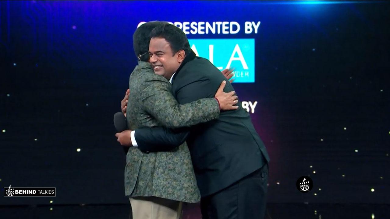 Manjo Varma hugged Mohanlal in Bigg Boss