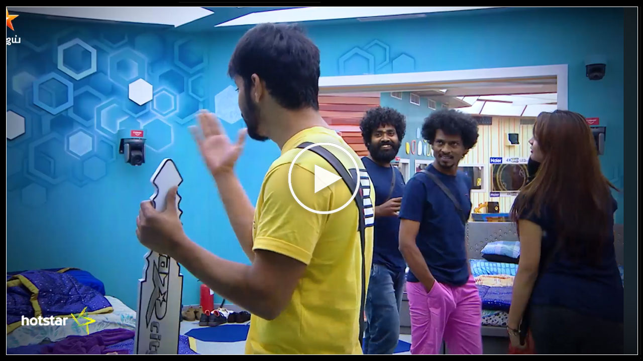 Photo of Bigg Boss Tamil : Mahat Scolds Vaishnavi Behinds Her Back