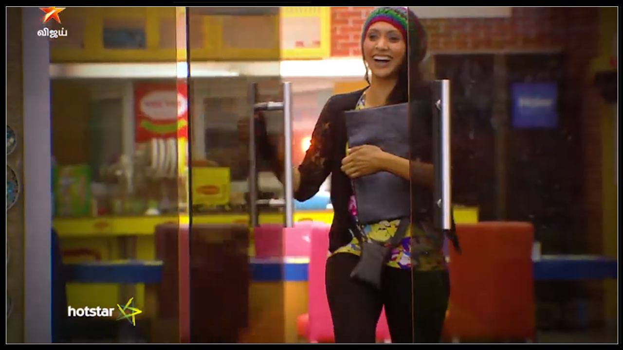Photo of Bigg Boss Tamil : Vaishnavi Entered Inside Bigg Boss House