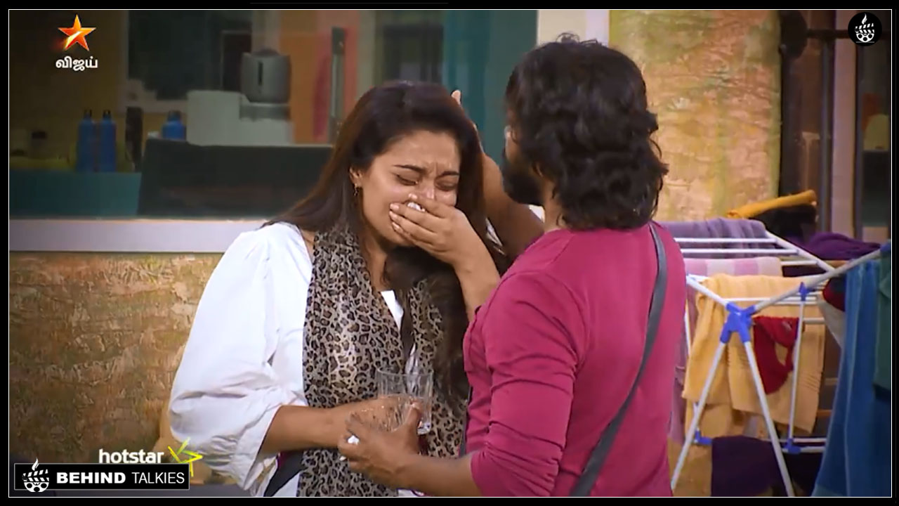 Photo of Bigg Boss Tamil: Mumtaz Crying Because Of Kamal