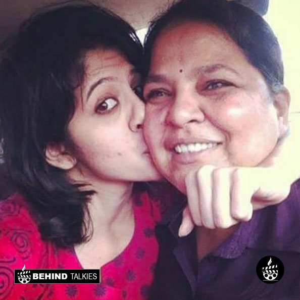 Tanvi Hegde with her mom Shobhana