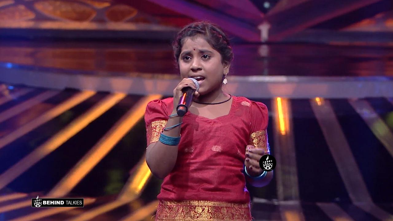 Photo of Dharshini – Super Singer
