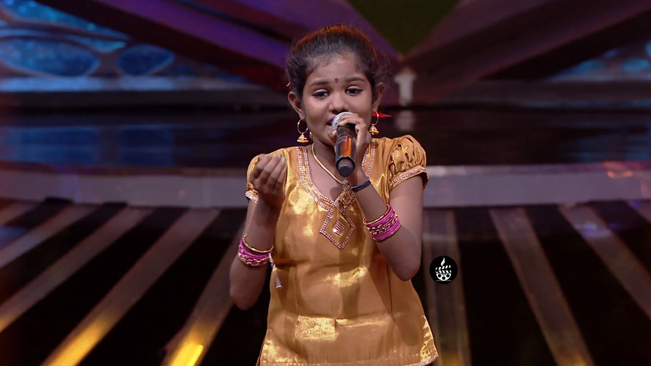 Photo of Vidhya Roopini – Super Singer